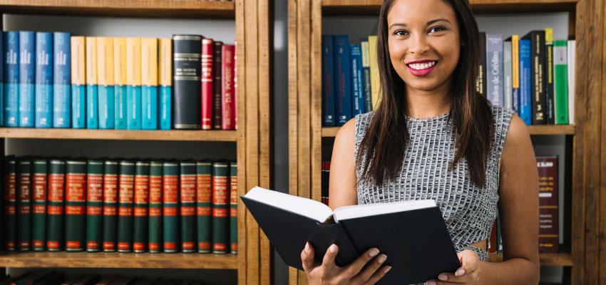 Maestría en Literatura con Mención en Literatura Hispanoamericana y Ecuatoriana
